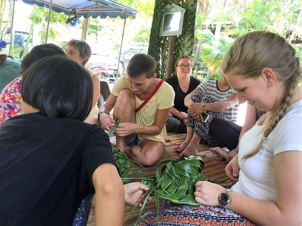Traditional palm weaving in the community Ban Rim Klong